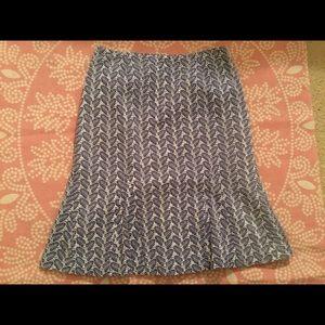 DR Sportswear eyelet leaf print skirt